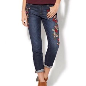 New NY&C Soho Relaxed Boyfriend Embroidered Jeans